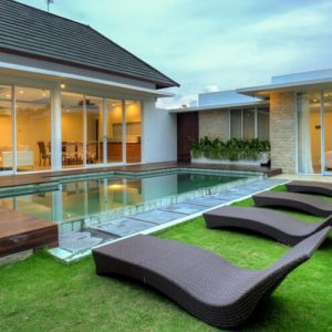 Luxdezine Artificial Grass Turf Bermuda Outdoor