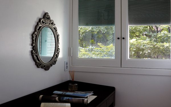 Luxdezine Window Blinds Honeycomb Black D